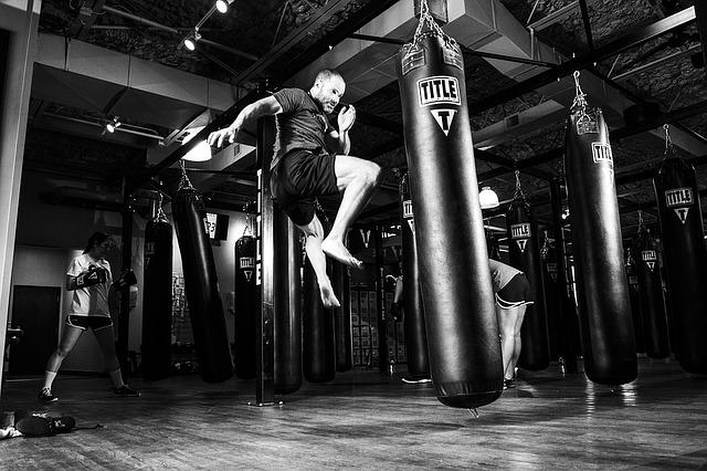 man kickboxing