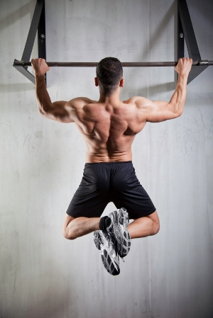 how many pull ups can the average man do