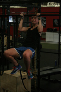 woman_pull-ups_struggling